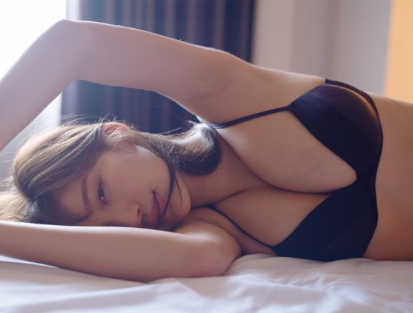 小倉優香 乳首 エロ画像011