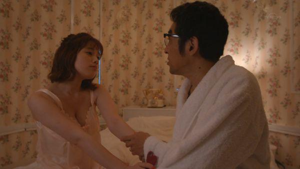 筧美和子、ラブホでセックス!巨乳デリヘル嬢役でベッドシーン…【エロ画像45枚】