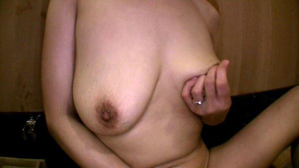 垂れ乳 エロ画像