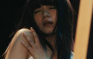 池田エライザのGカップおっぱいがプルンプルンwww破壊力が凄いwww